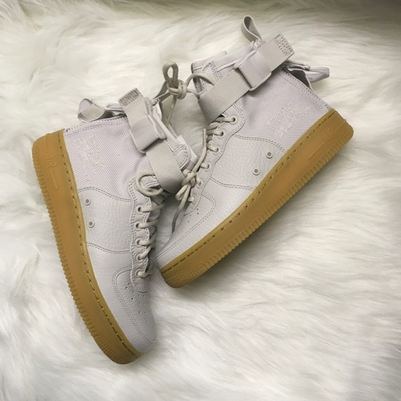 on sale 30bb7 57119 24 hour sale! Nike SF Air Force 1 mid sneakers NWT